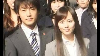 2015年2月に真剣交際が発覚した女優、比嘉愛未(30)と俳優、福...