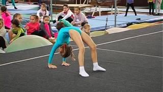 Скачать Первенство ДЮСШ по спортивной акробатике 3 юн разряд 2е упражнение девочки