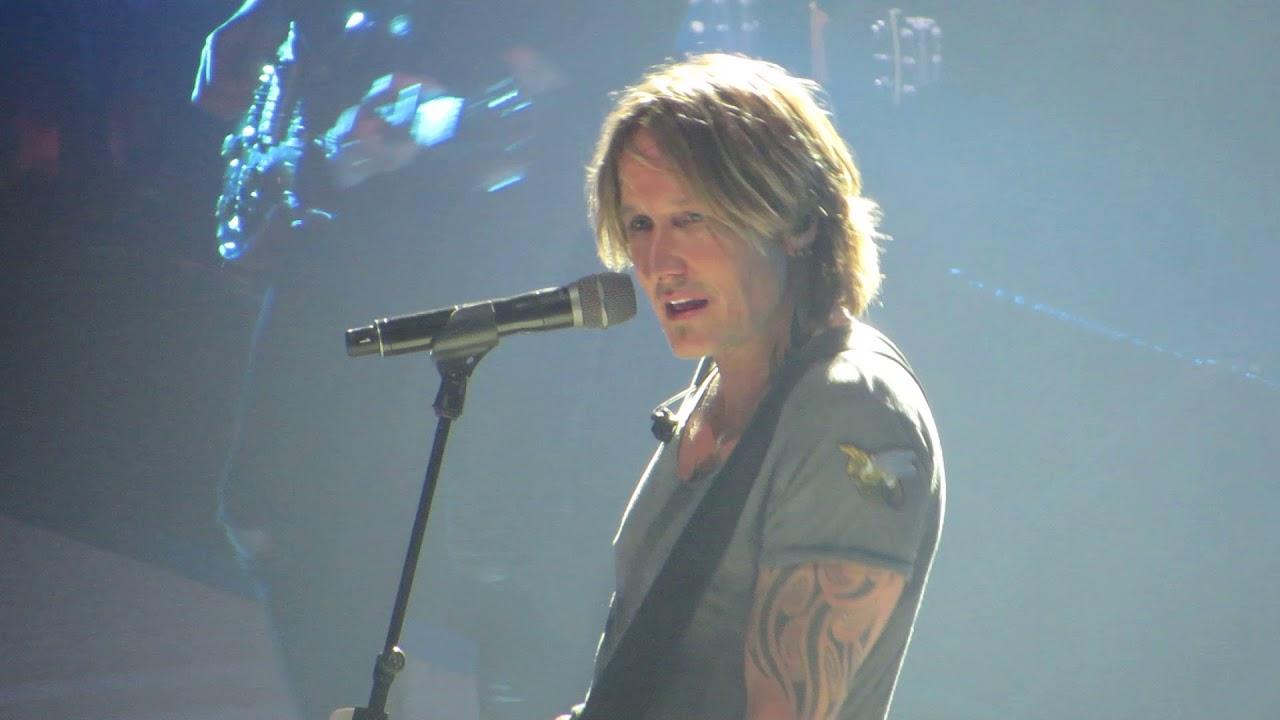 "Download Keith Urban ""Female"" Live @ Giant Center, Hershey Pennsylvania"