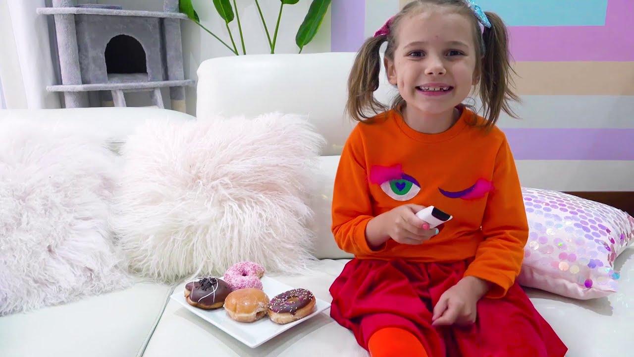 Катя и история про смешного монстрика под кроватью