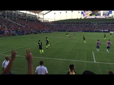 Chuba Akpom goal vs Chivas (3-0)