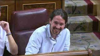 Rajoy e Iglesias bromean sobre su dominio de Twitter y de los SMS