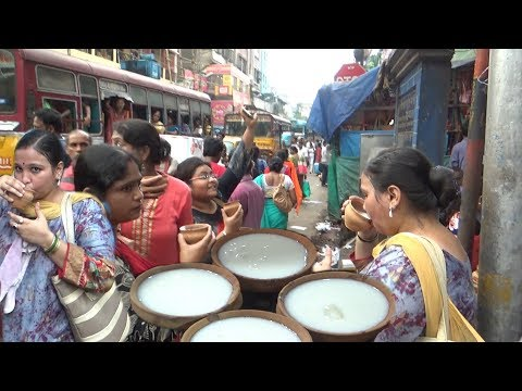 Crowd Mad for Cool Lassi @ 25 rs Per Cup | India Kolkata Bara Bazar Street Food