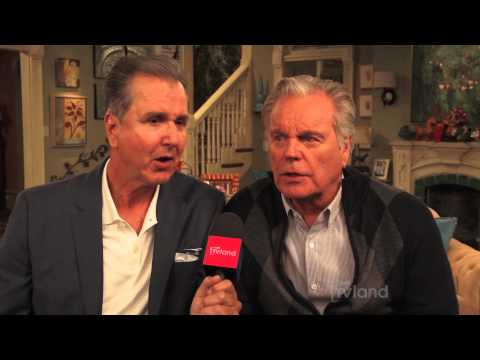 Hot in Cleveland: Robert Wagner's Blast From The Past