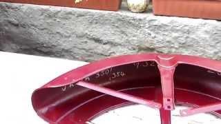 Zlaté linky na motocykl Jawa jednoduše.