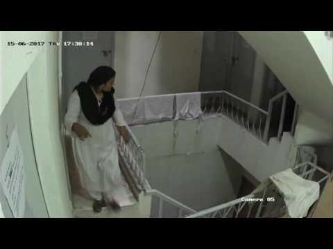 Women Stealing Mobile Phones form Hostle | Lahore 2017