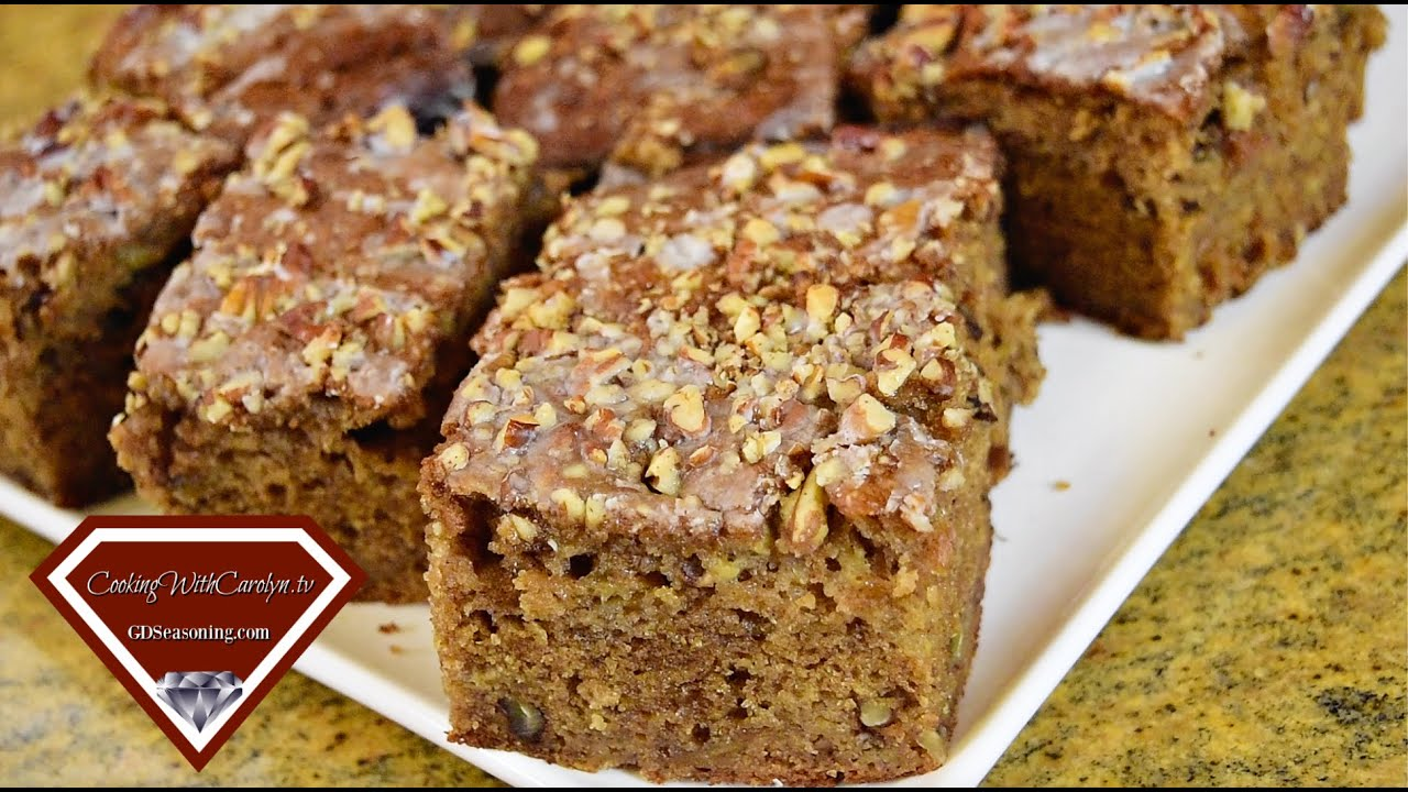 EASY BANANA BREAD WITH PECANS AND ICING |DON'T WASTE THOSE UGLY BANANAS! |Cooking With Carolyn