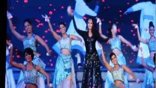 Aishwarya bachchan first ever performance on stage 2013 TOIFA