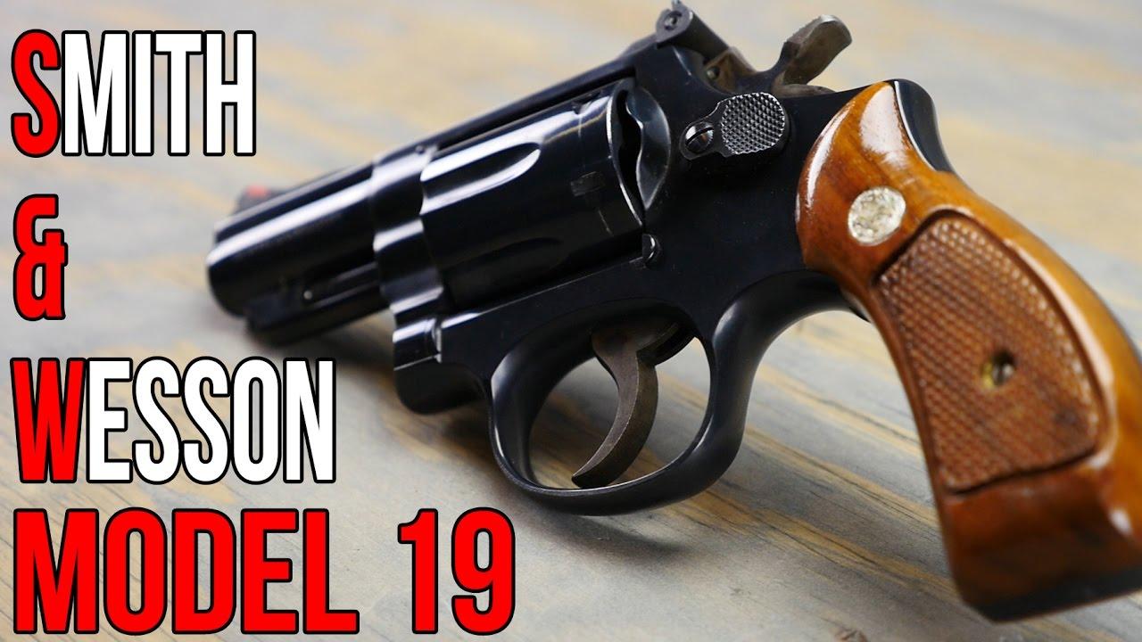 Smith & Wesson Model 19 Snub Nose Revolver
