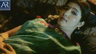 Eddaru Pellalu Movie Scenes | Indian House Wife Dreams about Husband | AR Entertainments