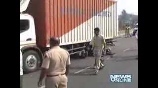 vapi : Truck and bike accident 3 people injuered