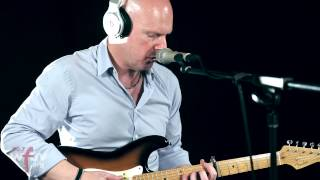 "Philip Selway - ""Coming Up for Air"" (Live at WFUV)"