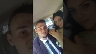 Что делает невеста и жених в машине на собственной свадьбе?