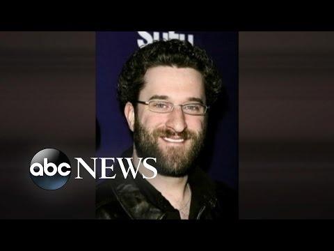 Actor Who Played 'Screech' Arrested in Bar StabbingKaynak: YouTube · Süre: 49 saniye