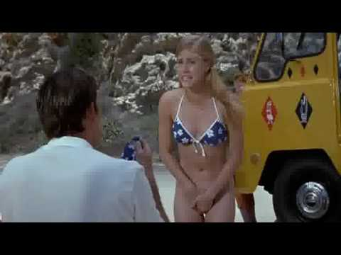 Nude in beach =))