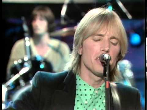 "Tom Petty Performs ""American Girl"" (Live) - Fridays"