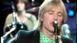 """Tom Petty Performs """"American Girl"""" (Live) - Fridays"""