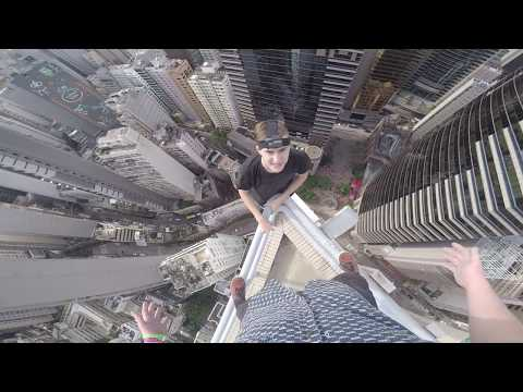 ROOFTOPPING IN HONG KONG