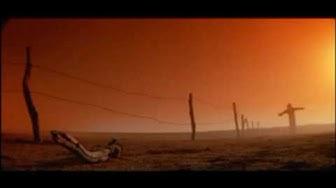 Razorback (1984) opening scene
