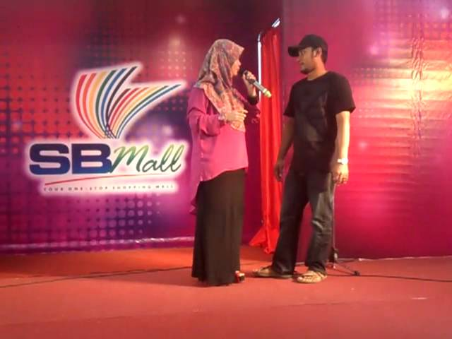 IAMNEETA FT NAJWA LATIFF-KAU PERGI JUA LIVE AT SBMALL Travel Video