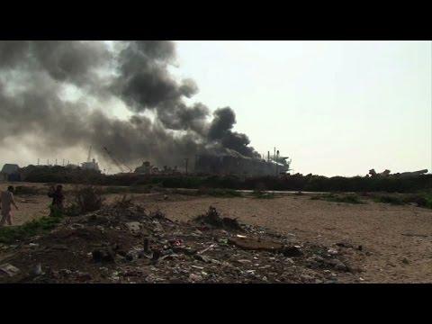 Explosion kills at least nine in Pakistan shipbreaking yard