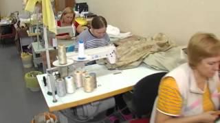 видео Универсальный еврочехол для мягкого углового дивана: основные виды и варианты изготовления