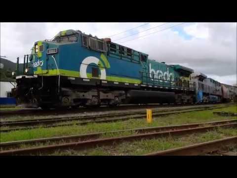 Trem da Rumo locotrol carregado de fertilizante em ZPT Paratinga