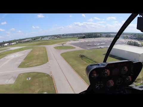 Hubschrauber landet auf dem Flughafen Page Field in Fort Myers