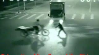 Ангел спас человека от смерти! (телепортация)(Совсем недавно в Китае произошел такой случай. Один мужчина ехал поздно ночью на своём мотоцикле, и чуть-чут..., 2015-11-10T09:18:17.000Z)