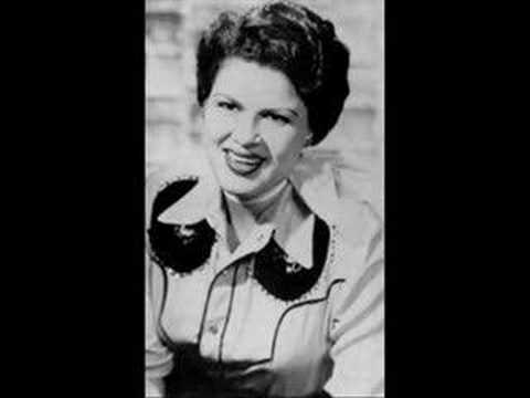 Patsy Cline – Sweet Dreams #CountryMusic #CountryVideos #CountryLyrics https://www.countrymusicvideosonline.com/patsy-cline-sweet-dreams/ | country music videos and song lyrics  https://www.countrymusicvideosonline.com