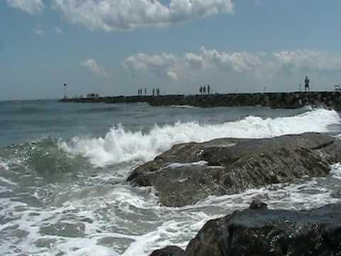 Beach Waves At Hampton Nh
