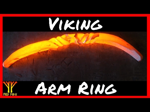 Blacksmith Forging a Viking Arm Ring ✔