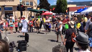 Juggler at Penticton Farmer's Market  - 2014-05-14