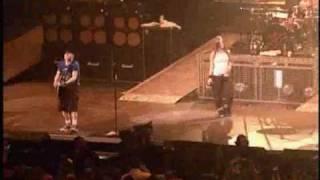 Video Avril Lavigne - Basket case  (Buffalo NY concert) download MP3, 3GP, MP4, WEBM, AVI, FLV Juli 2018