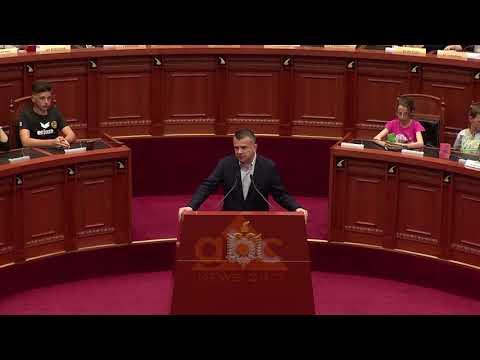 Parlamenti per diten e jetimeve | ABC News Albania