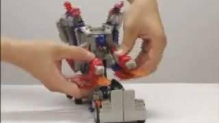 柯博文機器人變貨櫃車