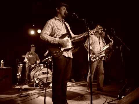Eric Lindell- Lay Back Down (Sullivan Hall- Wed 6/9/10)
