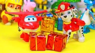 CORES PATRULHA CANINA NATAL Abrindo Presentes Brinquedos Surpresas Super Wings em Portugues Ingles