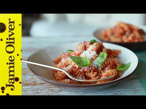How to make a tomato pasta sauce