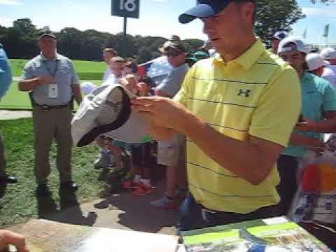 Jordan Spieth  signs autographs for The SI KING 8-23-17