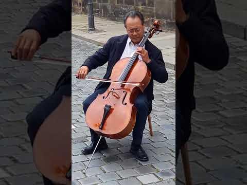 Yo-Yo Ma playing Bach in Leipzig (Suite 5 in c, Sarabande)