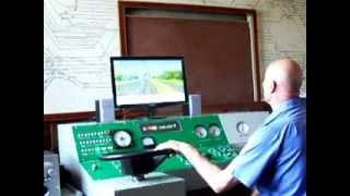тестовая поездка инструктора машинистов на тренажере машиниста электропоезда ЭПЛ2т(На видео отображена тестовая поездка при приемке тренажера машиниста локомотива железных дорог для электр..., 2013-09-10T12:39:27.000Z)