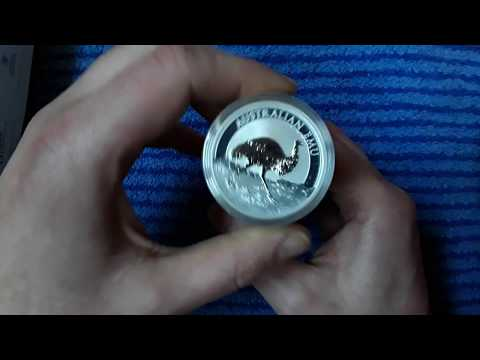 Quick unboxing of the 2018 Australia Emu Silver Coin
