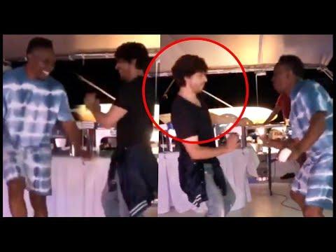 Shah Rukh Khan's CRAZY Lungi Dance With Dwayne Bravo | WATCH Mp3