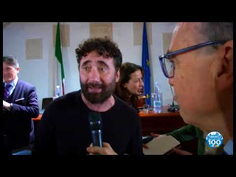 DOVE TUTTO E' A META' di Walter Baldacconi