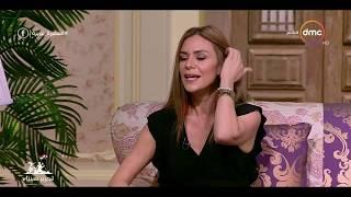السفيرة عزيزة - الفنانة نادين تحكي عن مكالمة النجمة