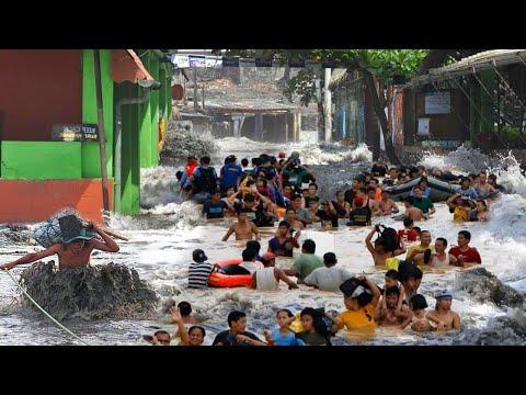 CITY is FLOAT! 📢 Severe Flooding hits Santa Tecla, El Salvador.