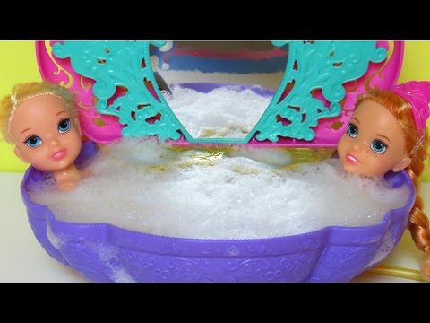BATH time !  ELSA & ANNA toddlers -...