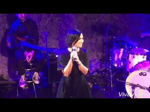 Demi Lovato ft. Shawn Mendes - Skyscraper [Live]
