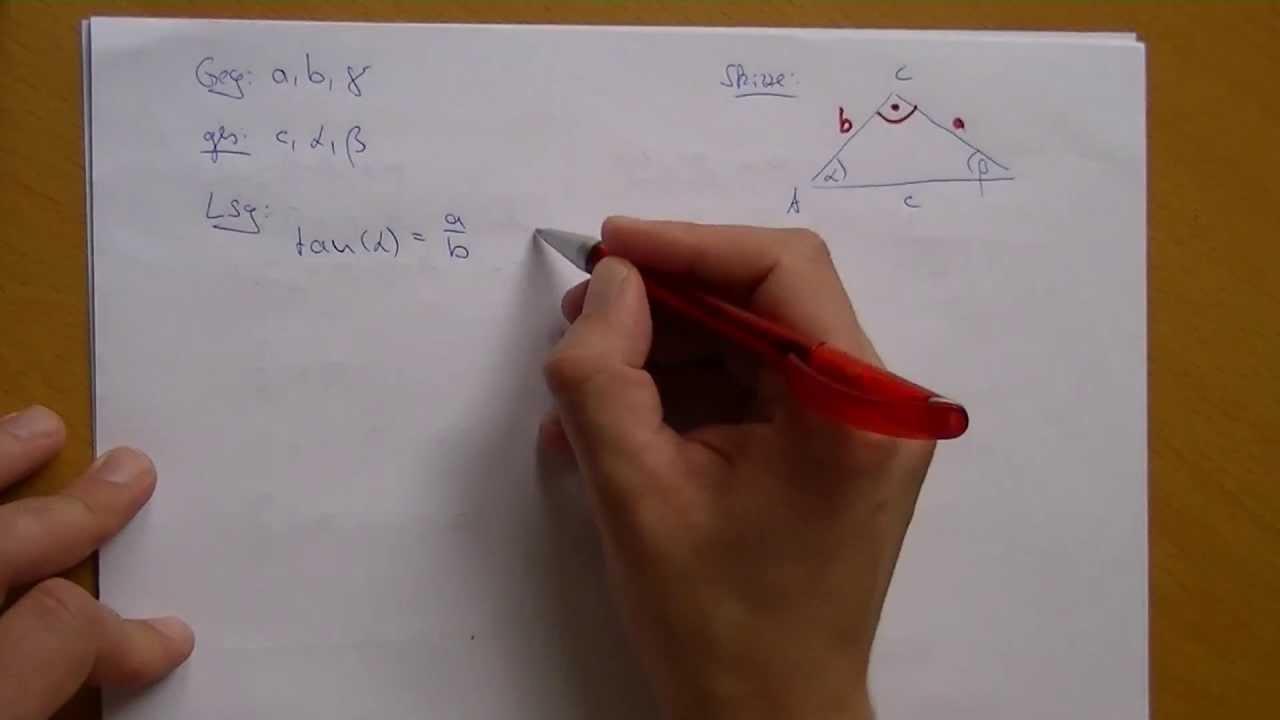 Fehlende Größen am rechtwinkligen Dreieck berechnen - YouTube
